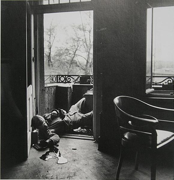 Fot. Robert Capa (za This is War - Robert Capa at work)