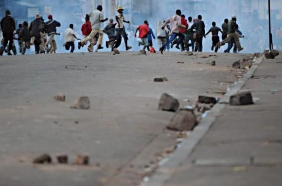 Jeden z nominowanych fotoreportaży, Walter ASTRADA / AFP fot. za prixbayeux.org