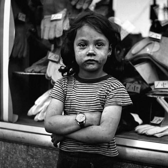 ...i jego zaprzeczenie, Nowy Jork, niedatowane, Vivian Maier (fot. za vivianmaier.com)