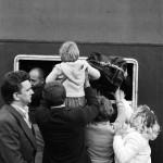 Reportaż - Ścisk, 1985 r. fot. Zenon Żyburtowicz (za Polityka.pl)
