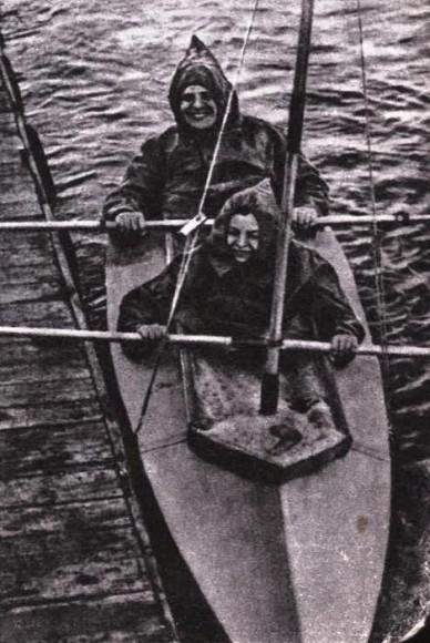 Wańkowicz na jeziorze Pupskim - Spychowskim 1935 r. (Fot. archiwum rodziny Wańkowiczów)