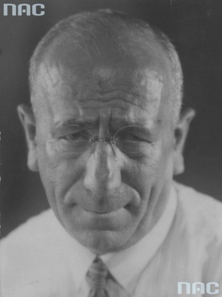 Marian Fuks - fotograf, właściciel agencji fotograficznej. Portret z ostatniego roku życia, 1935r. (fot. Marian Fuks, Archiwum IKC, za NAC)
