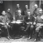 Członkowie Komisji Wojskowej Tymczasowej Rady Stanu, 1917 r. (fot. Marian Fuks, Archiwum IKC, za NAC)